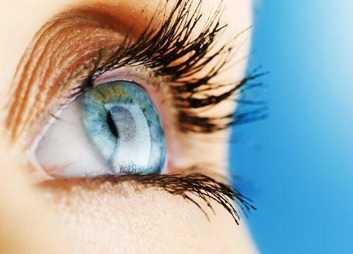 oči, zrak, poškodený zrak, žltá škvrna, makula