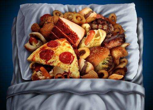 nočné jedenie, reflux, zlý spánok